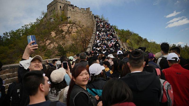 Photo of Фото: огромные толпы на Великой Китайской стене