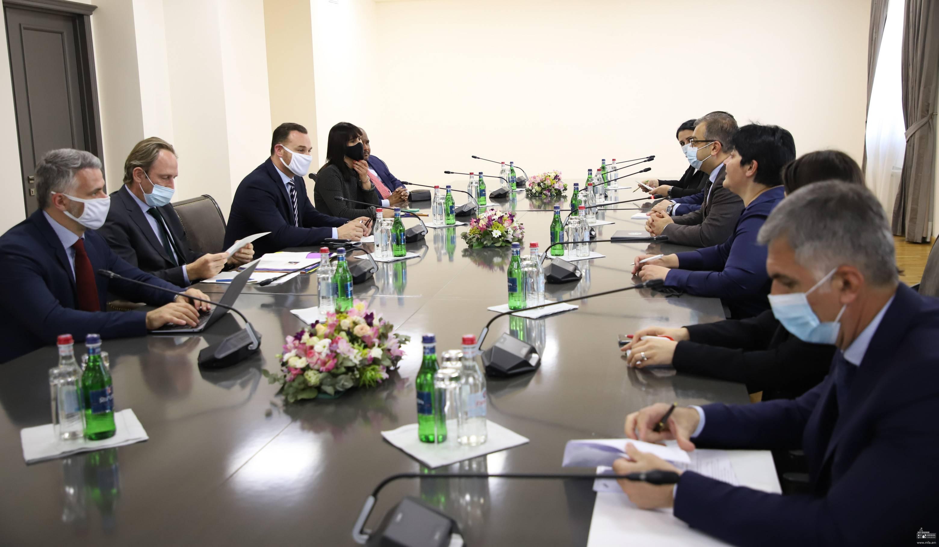 Photo of Замглавы МИД Армении представил делегации ПАФ сложившийся вследствие войны гуманитарный кризис