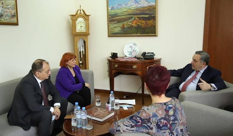 Photo of Новоназначенный посол Черногории вручил копии верительных грамот заместителю министра иностранных дел