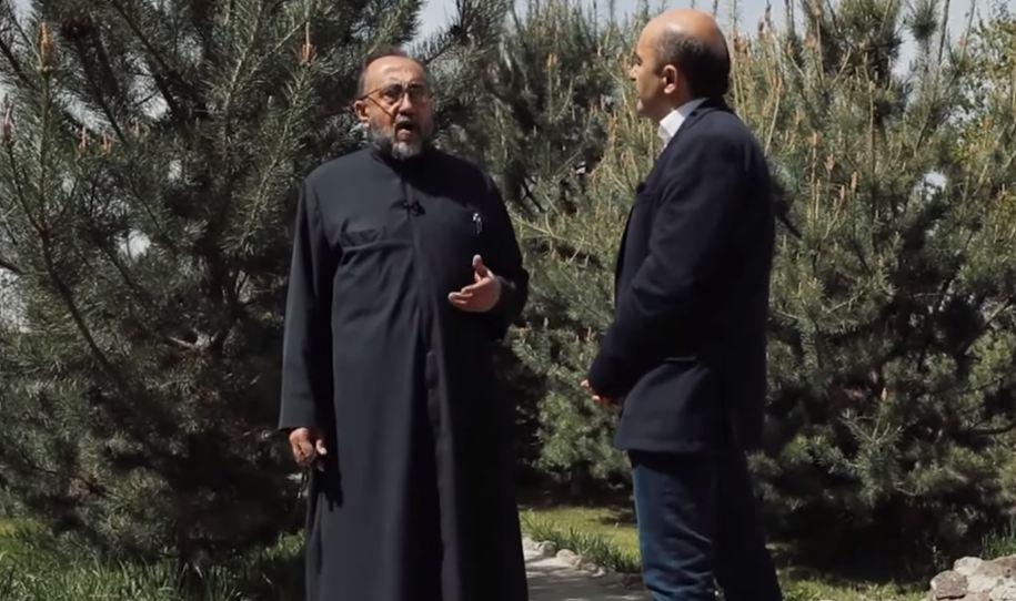 Photo of Իշխանությունն իրավունք չունի իր մեղքի բեռը ուրիշի վրա գցել. Էդմոն Մարուքյանի զրույցը Շիրակի թեմի առաջնորդի հետ