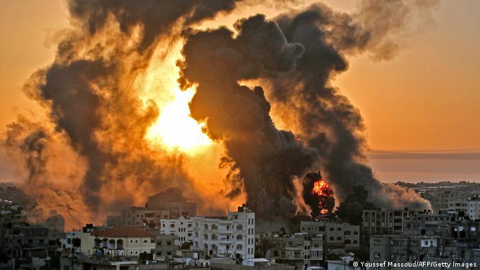 Photo of Израиль бомбил систему тоннелей ХАМАС в секторе Газа