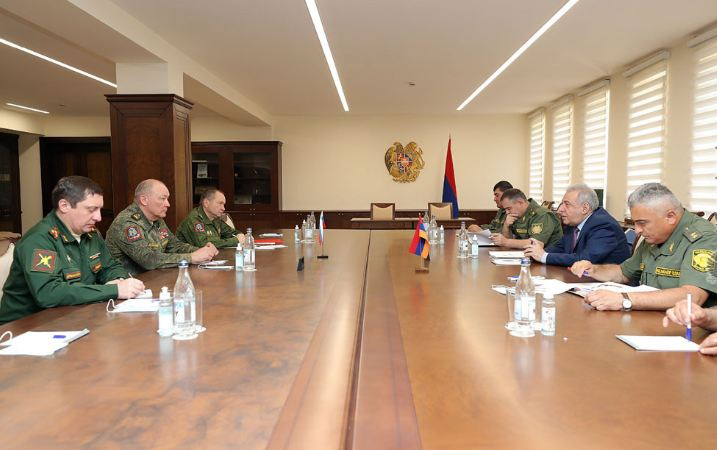 Photo of Վաղարշակ Հարությունյանն ու Ալեքսանդր Դվորնիկովը քննարկել են Սյունիքում ստեղծված իրավիճակը