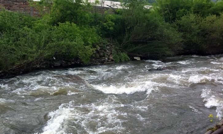 Photo of Երկու քաղաքացի ընկել է Հրազդան գետը. իրականացվում են որոնողական աշխատանքներ