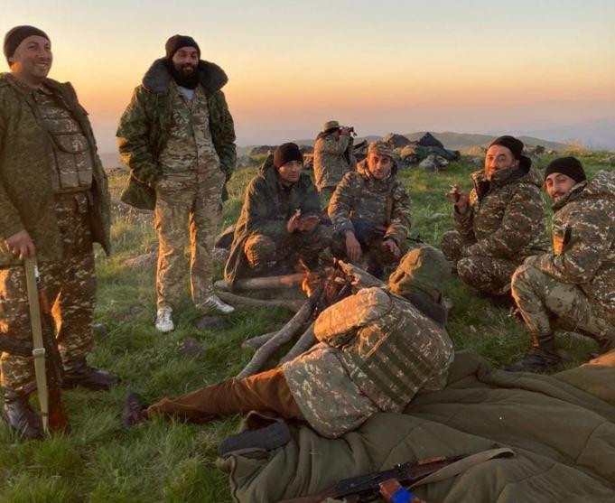 Photo of «20-30 азербайджанцев как выдвинулись, так и отодвинулись Мы с односельчанами подоспели на помощь нашему армейскому корпусу». Какова ситуация в Хознаваре?