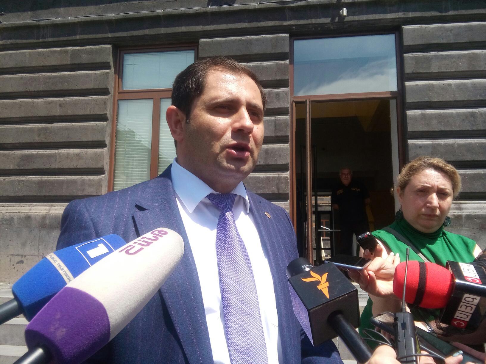 Photo of «Այս պահին որևէ պայման առկա չէ. բանակցությունները շարունակվում են». Սուրեն Պապիկյանը՝ հայ-ադրբեջանական սահմանային իրավիճակի մասին