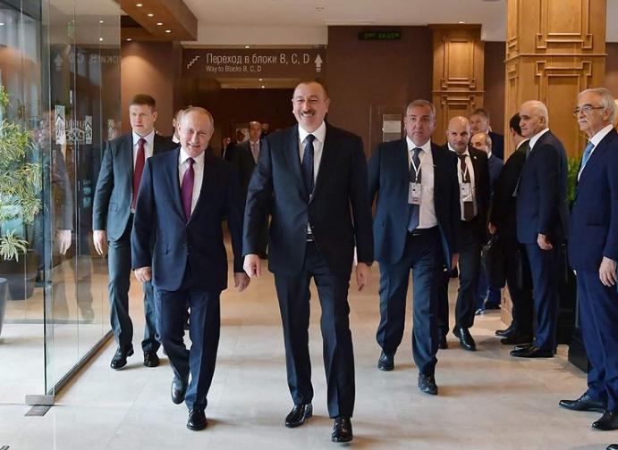 Photo of «Сейчас ситуация такова, что мы увидим проазербайджанскую Россию не потому, что она любит Азербайджан, не любит нас, а …». Политолог