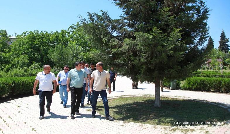 Photo of Араик Арутюнян посетил Мартуни, где ознакомился с ходом строительства