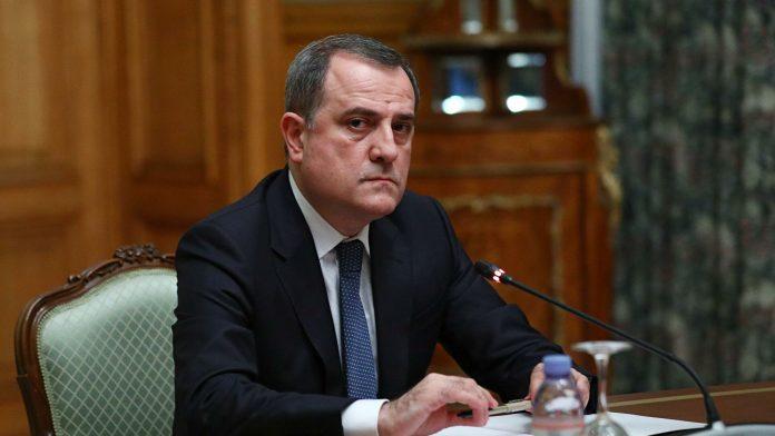 Photo of В Азербайджане нашли ответственного за ожидаемые дипломатические неудачи