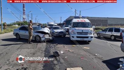 Photo of Ավտովթար-վրաերթ՝ Երևանում. բախվել են BMW-ն ու Toyota-ն, իսկ հետո մեկ այլ BMW վրաերթի է ենթարկել հետիոտնի. 4 վիրավորներից մեկի ոտքը կտրվել է