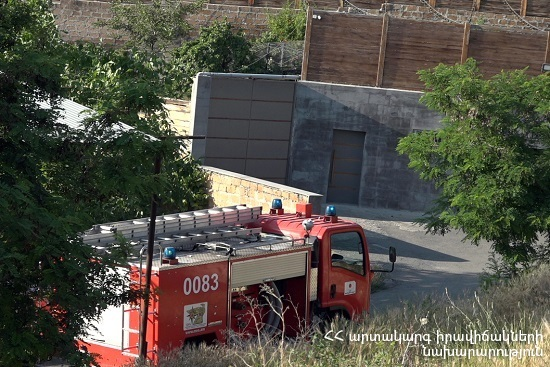 Photo of Արմավիր քաղաքում այրվել են ավտոմեքենաների թափքեր