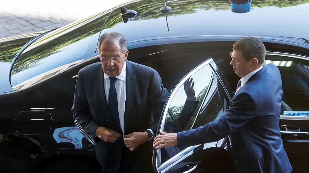 Photo of Ի՞նչ է թաքնված Ռուսաստանի արտգործնախարարի այցի հետևում։ Մեկնաբանություն Բաքվից և Երևանից