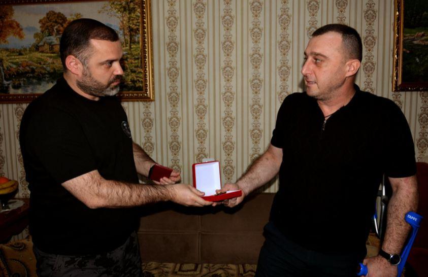 Photo of Արայիկ Հարությունյանի հրամանագրով «Մարտական խաչ» 2-րդ աստիճանի շքանշան է շնորհվել Տիգրան Հարությունյանին