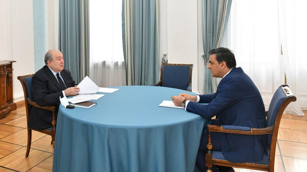 Photo of Армен Саргсян и Омбудсмен Армении обсудили ситуацию на армяно-азербайджанской границе
