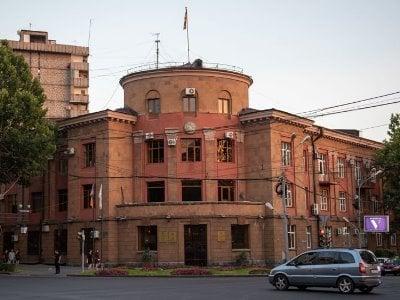 Photo of Устроившие драку замглавы административного района Кентрон и начальник отдела задержаны