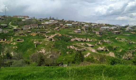Photo of Азербайджанцы роют траншеи в Сюнике, устанавливают посты