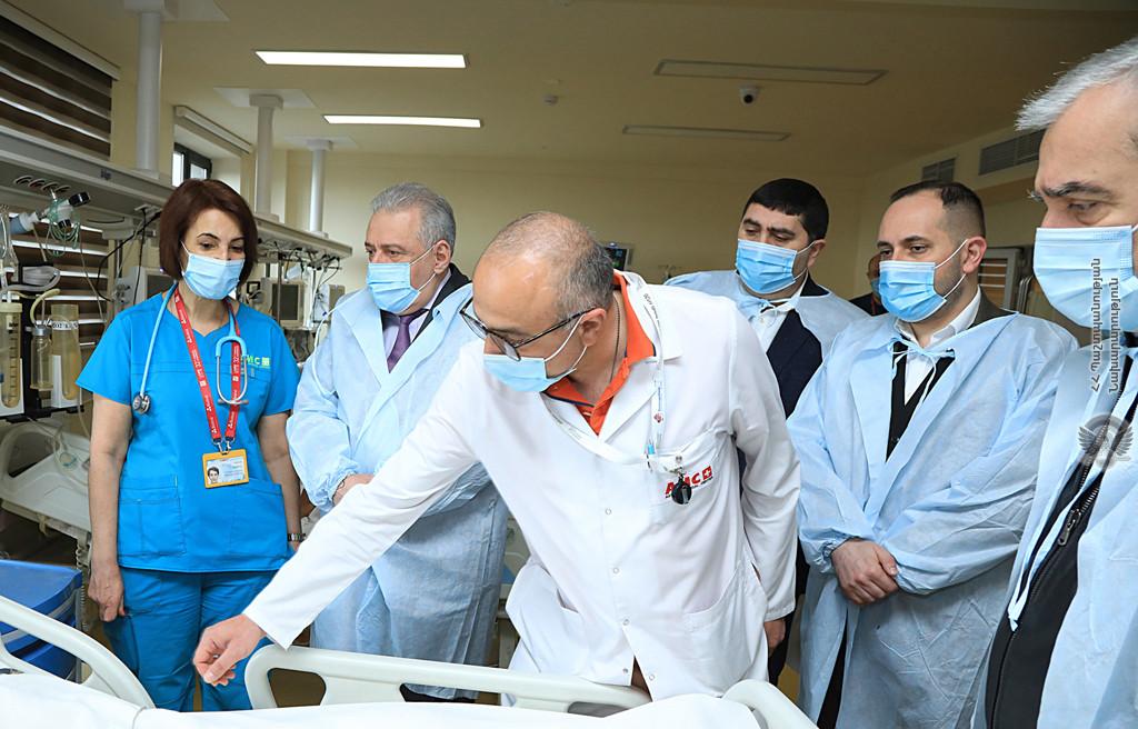 Photo of ՀՀ պաշտպանության նախարարն այցելել է «Աստղիկ» բժշկական կենտրոն