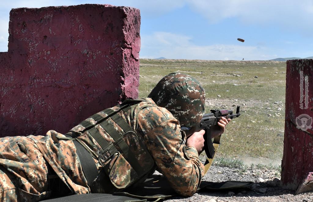 Photo of Замминистра ИД РФ обсудил со спецпредставителем ЕС ситуацию на армяно- азербайджанской границе