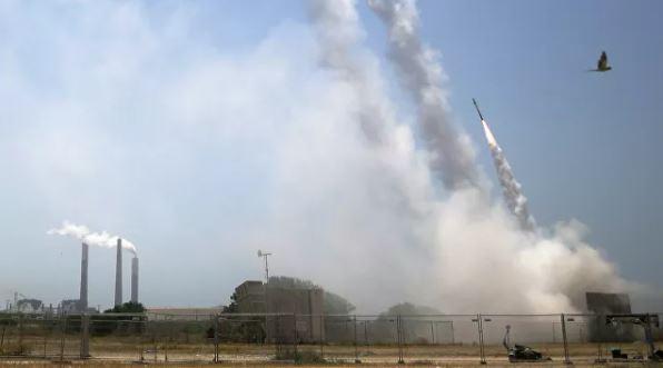 Photo of Десятки ракет запустили из сектора Газа в сторону израильских городов