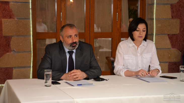Photo of Министр иностранных дел Арцаха встретился с молодежью