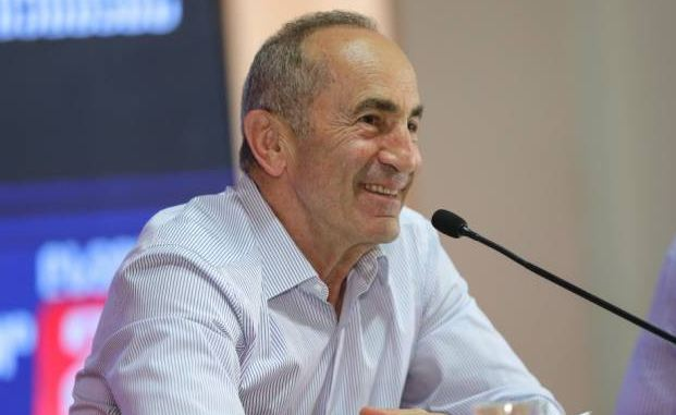 Photo of Идем продолжить незавершенное дело. Кочарян пообещал благоустроить жизнь гюмрийцев