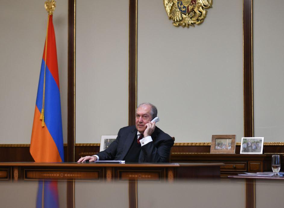 Photo of Президент главам СНБ и Полиции: Правоохранители не должны не допускать нарушений закона