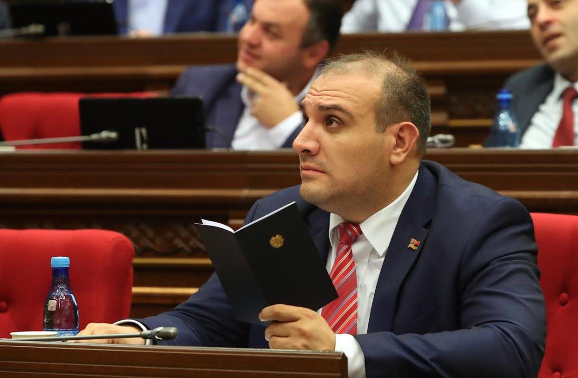 Photo of Депутат от блока «Мой шаг» сложил мандат
