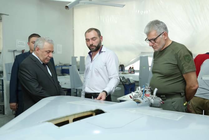 Photo of И.о. министра обороны посетил ряд военно-промышленных предприятий Армении