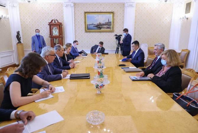 Photo of Сергей Лавров с Филиппо Гранди обсудили вопрос возвращения перемещенных лиц в Нагорный Карабах