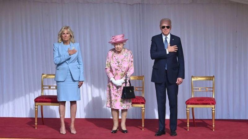 Photo of Королева Елизавета II встретилась с четой Байденов в Виндзорском замке