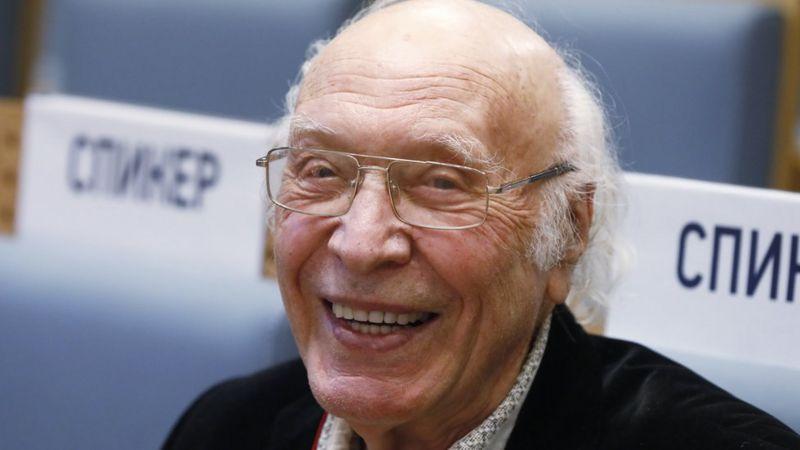 Photo of Умер советский диктор Виктор Балашов, объявивший о полете Гагарина