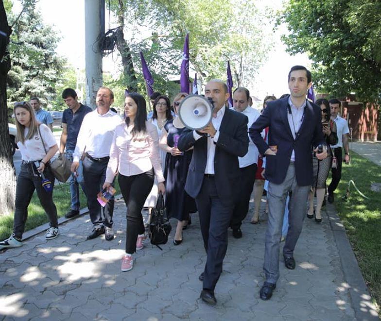Photo of ԼՀԿ-ն ռեալ այլընտրանք է թե գործող իշխանությանը, թե նախկին իշխանություններին. Է. Մարուքյան