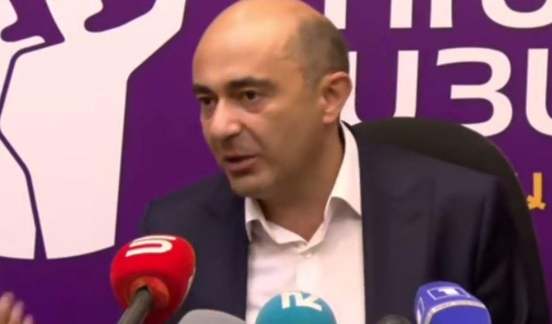 Photo of «Все те, кого Никол Пашинян, согласно своему заявлению, будет судить, ударит молотком, стали депутатами». Руководитель партии «Просвещенная Армения» Э. Марукян