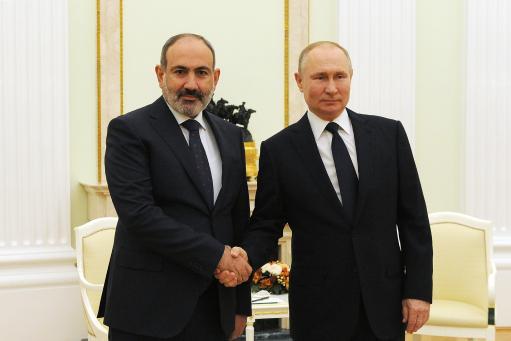 Photo of Президент Путин поздравил Никола Пашиняна с победой на выборах.