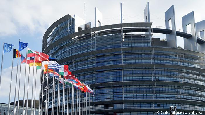 Photo of Европарламент выступил за жесткие санкции против режима Лукашенко