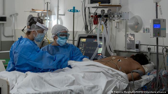 Photo of Пандемия: британские ученые сообщили об изменении клинической картины течения COVID-19