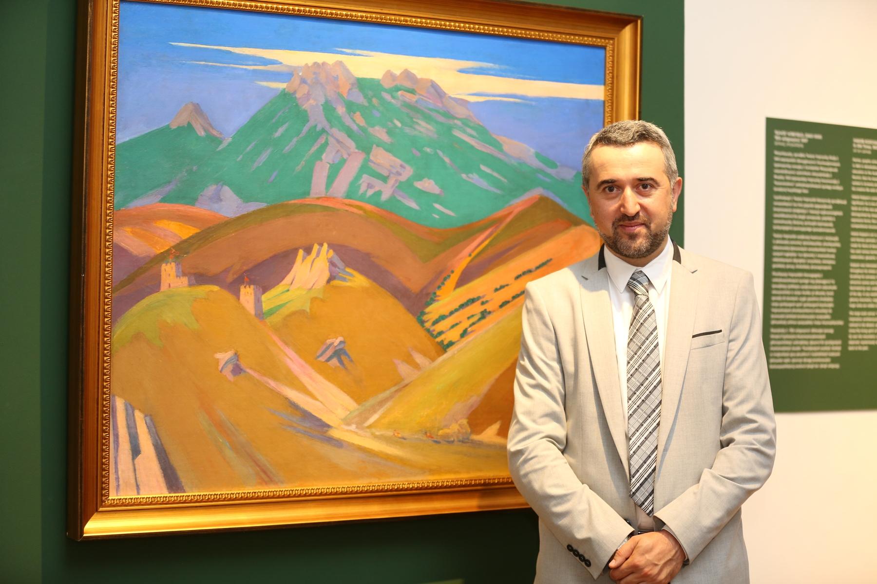 Photo of «Հիշողության կերպարանքներ…» սեմինարի մասնակիցները ներկա են գտնվել Այվազովսկու «Չումակներ: Սայլավորներ» կտավի ցուցադրությանը