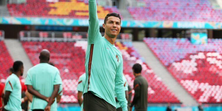 Photo of Ռոնալդուն առաջին ֆուտբոլիստն է, որ մասնակցում է 5 Եվրոյի