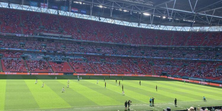 Photo of Անգլիայի հավաքականի ֆուտբոլիստները ծնկի են իջել Եվրո-ի խաղից առաջ, խորվաթները՝ ոչ․ երկրպագուները սուլել են
