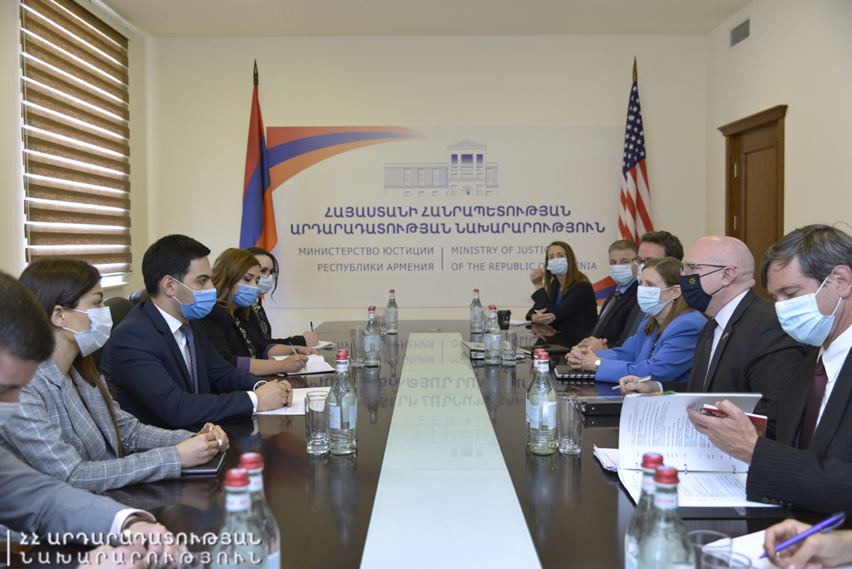 Photo of Ռուստամ Բադասյանն ընդունել է ԱՄՆ պետքարտուղարի տեղակալի պաշտոնակատար Ֆիլիպ Ռիքերի գլխավորած պատվիրակությանը