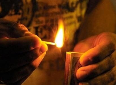 Photo of Երևանում՝ բնակարանում վտարման գործողությունների ժամանակ ինքնահրկիզված տղամարդը Այրվածքաբանության կենտրոնում մահացել է