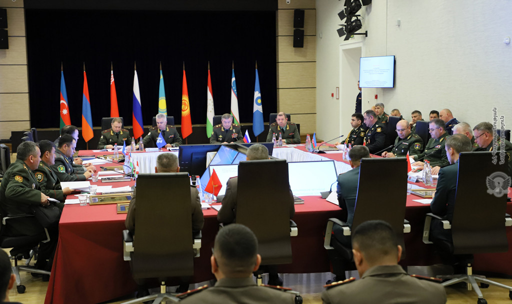 Photo of Глава Генштаба ВС Армении обсудил с делегацией Азербайджана военно-политическую ситуация на территории СНГ