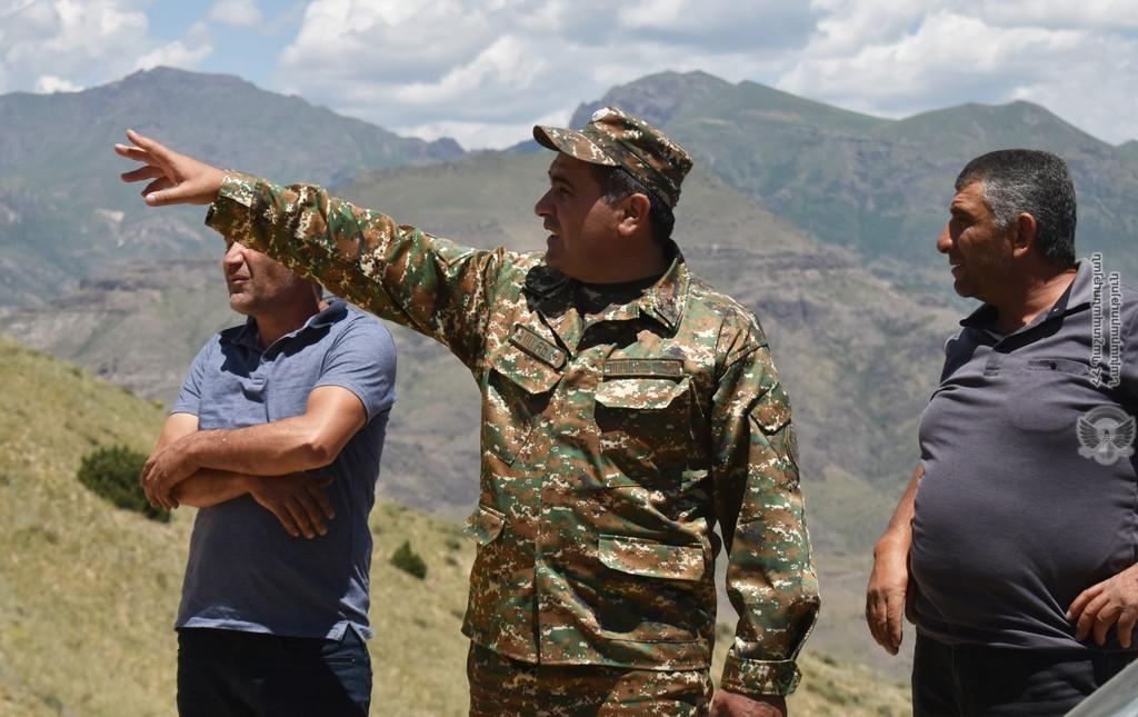 Photo of Представители органов местного самоуправления посетили боевые позиции