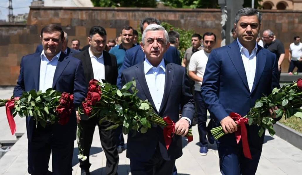 Photo of Սերժ Սարգսյանը հարգանքի տուրք է մատուցել Անդրանիկ Մարգարյանի հիշատակին