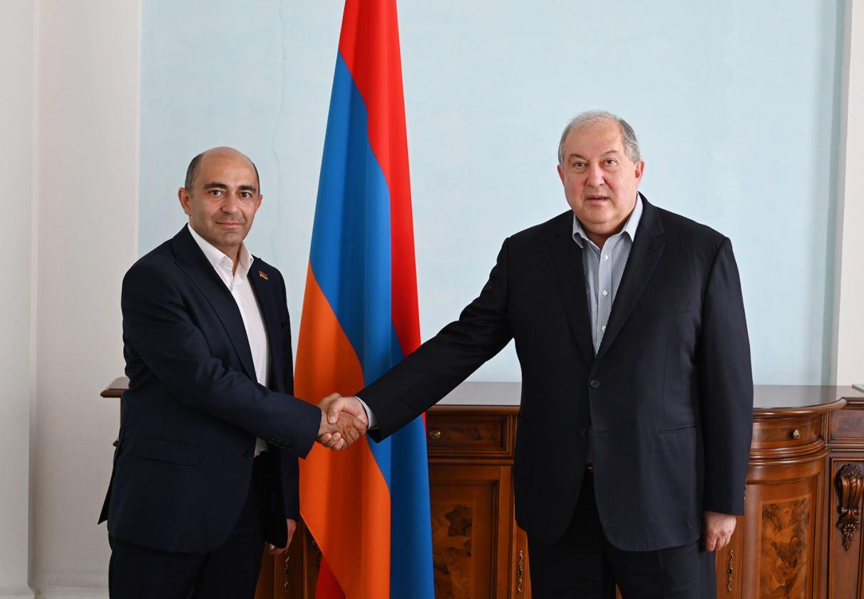 Photo of Президент Армен Саркисян встретился с лидером партии «Просвещённая Армения» Эдмоном Марукяном