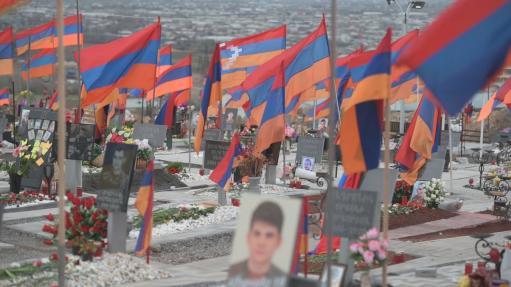 Photo of ՀԲԸՄ-ն Եռաբլուրում հարգանքի տուրք է մատուցել նահատակված հերոսների հիշատակին