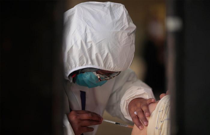 Photo of Бесплатную вакцинацию от COVID-19 для туристов запустили в Абу-Даби