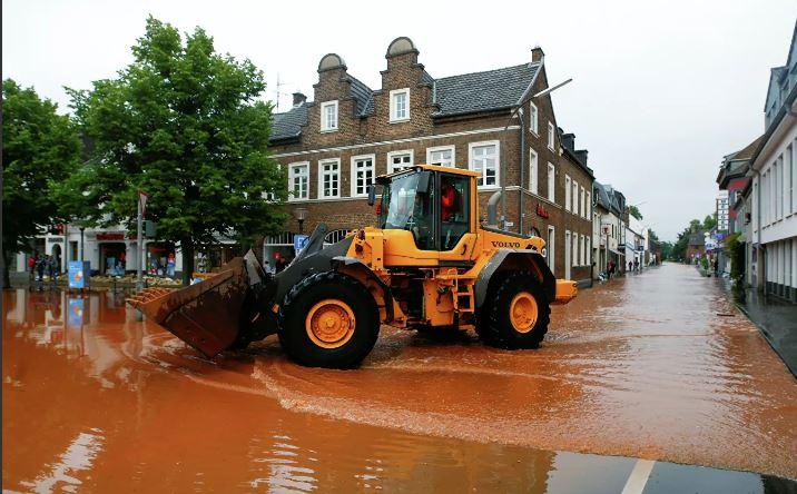 Photo of В Германии опасаются эпидемий и нашествия паразитов в зонах наводнения