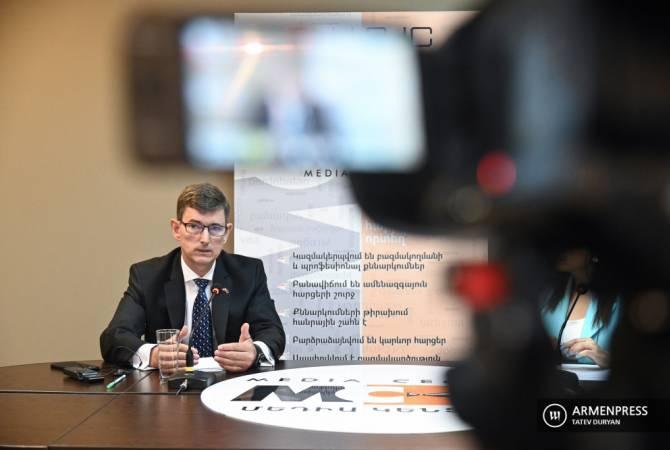 Photo of Посол Нидерландов в Армении коснулся вопроса возвращения армянских пленных