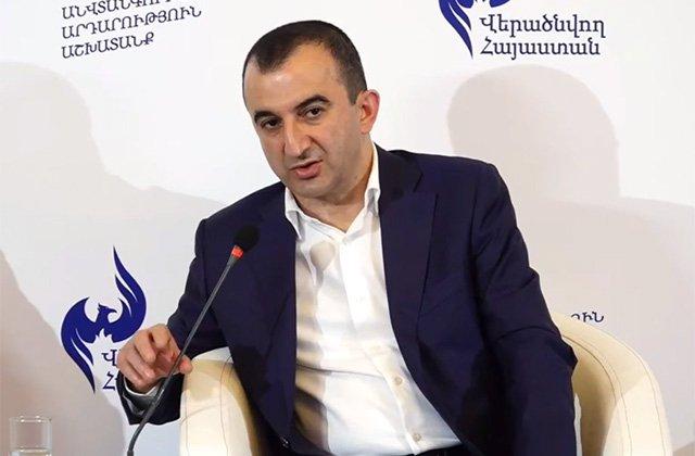 Photo of «Я подал в отставку и возьму свой депутатский мандат, потому что я 17-й в списке блока «Армения»».  Экс-мэр города Мегри М. Закарян