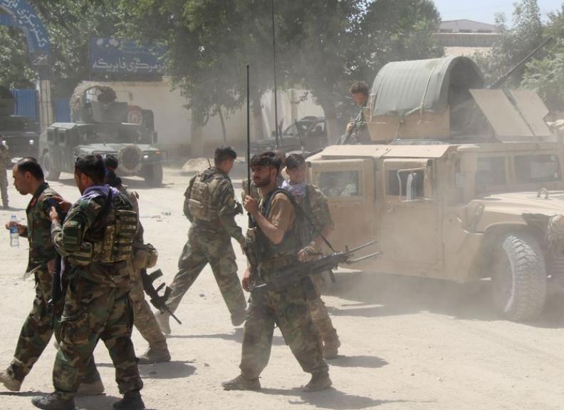 Photo of Более 300 афганских пограничников ушли в Таджикистан после боя с талибами